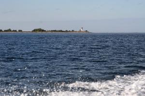 Suur-Pakri tulepaak merelt